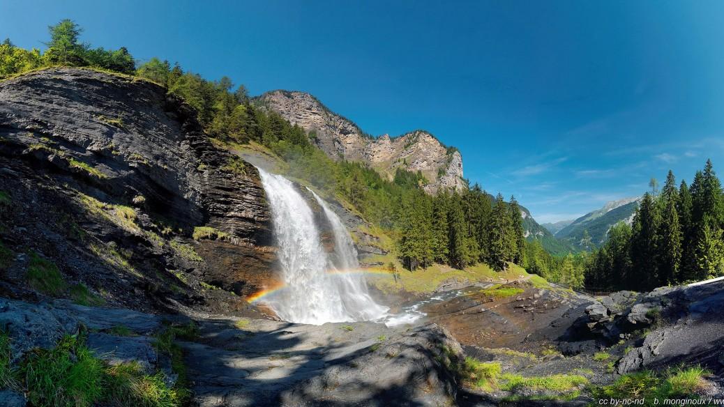 Vue_panoramique_Arc-en-ciel-Cascade-rouget_wc11